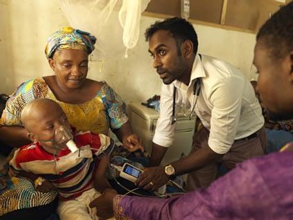 Image of medical volunteering